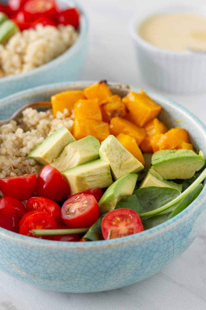 Quinoa Salad with Avocado, Cherry Tomato & Roast Pumpkin is a super healthy, easy to make salad that everyone in the family will love.