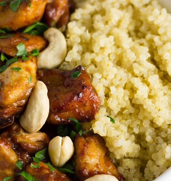 Slow Cooker Cashew Chicken. My healthy slow cooker version of the super popular dish and it is packed full of flavour.