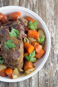 Slow Cooker Beef Pot Roast. A super yummy slow cooker meal that is full of flavour and packed full of healthy ingredients