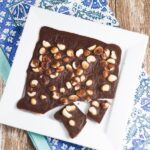 Macadamia Chocolate Bark. Takes around 5 minutes to prepare and less than 30 minutes to set.Macadamia Chocolate Bark. Takes around 5 minutes to prepare and less than 30 minutes to set.