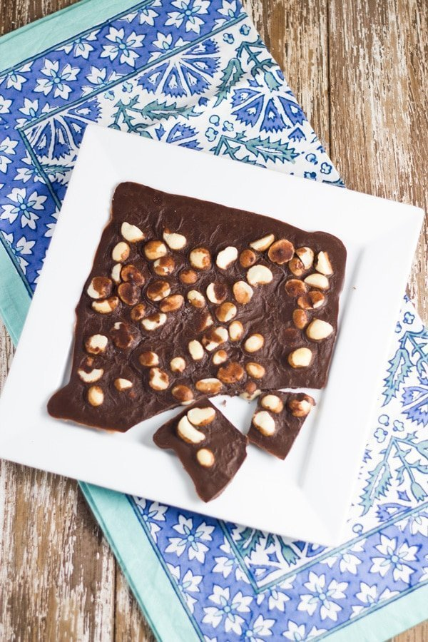 Macadamia Chocolate Bark. Takes around 5 minutes to prepare and less than 30 minutes to set.Macadamia Chocolate Bark. Takes around 5 minutes to prepare and less than 30 minutes to set.