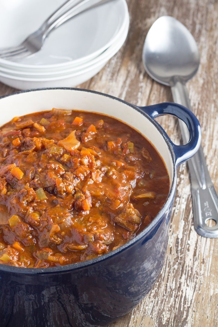 The flavours of this slow cooker beef ragu work so well together, the beef is really tender and the sauce is rich!