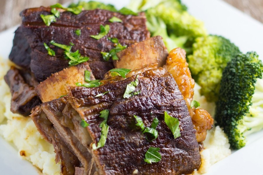 how slow cooker beef ribs will look when cooked