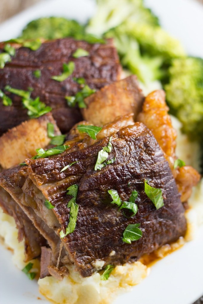 how the slow cooker beef ribs will look when they are ready