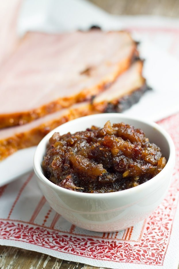 Glazed ham with apple & cranberry chutney. Suitable for paleo and clean eating lifestyles. They are both fairy easy to make and are sure to impress your guests over the festive season.