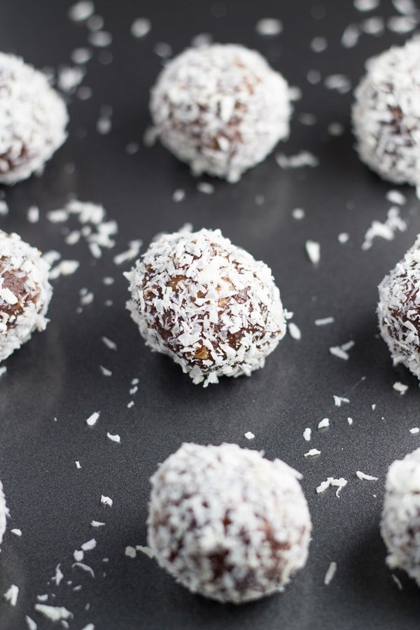 How the raw chocolate peppermint truffles will look when finished