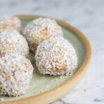 Raw Caramel Macadamia Bliss Balls. Two of my favourites - caramel and macadamias, combined into one healthy and yummy bliss ball! SO GOOD!