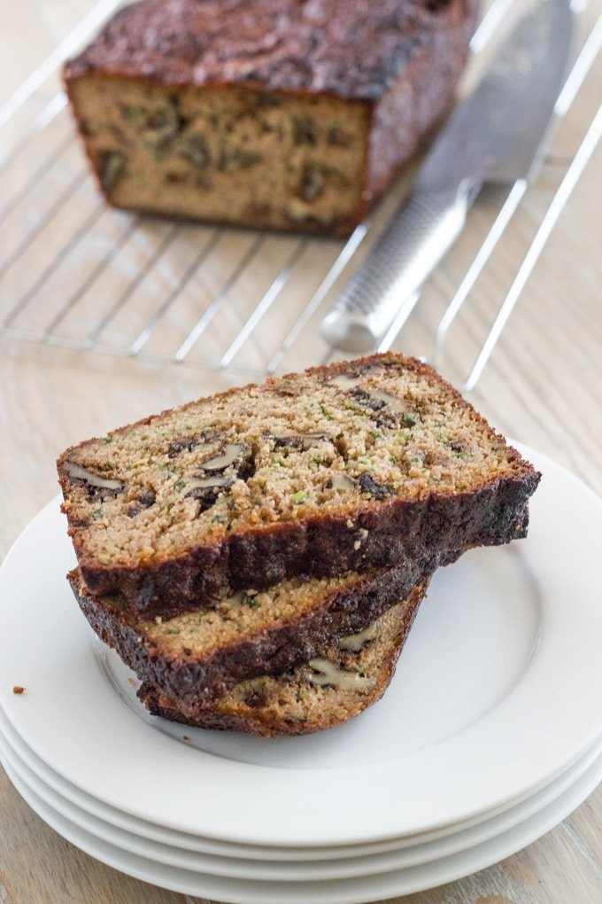 Zucchini & walnut loaf. A healthy and seriously yummy bread that is also gluten, dairy and refined sugar free. #glutenfreebread #zucchini #walnut #healthybread | becomingness.com