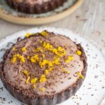 Raw Chocolate Orange Tart. This is such decadent dessert, yet it is so easy to make. The addition of wild orange essential oils gives it such an amazing flavour. YUMMY!