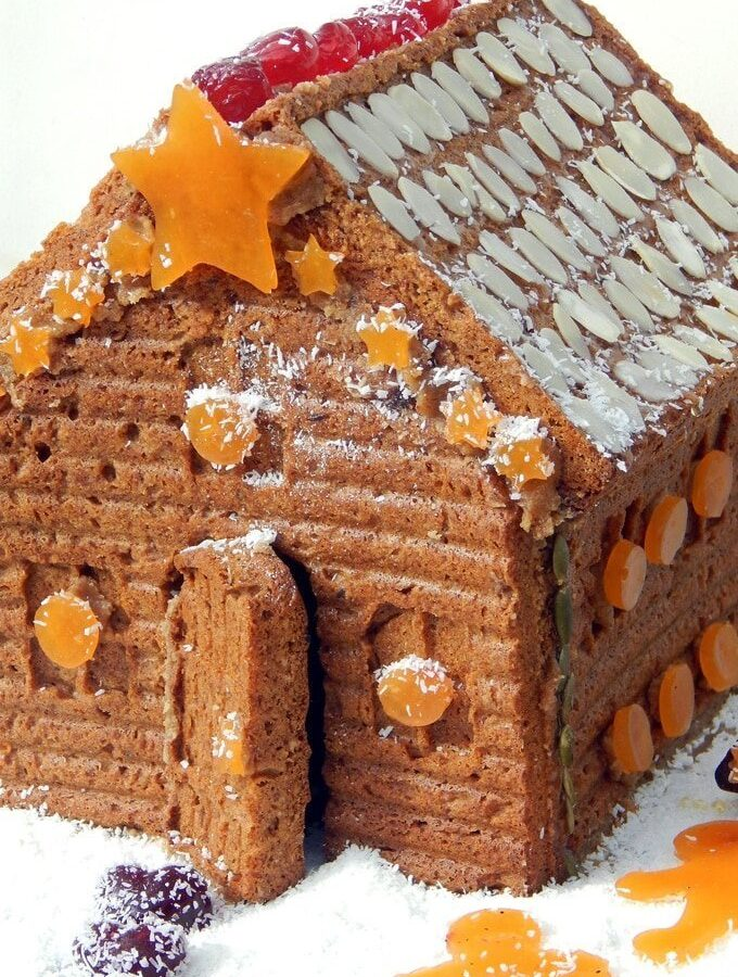 Christmas Recipe Countdown Day 13: Gingerbread House