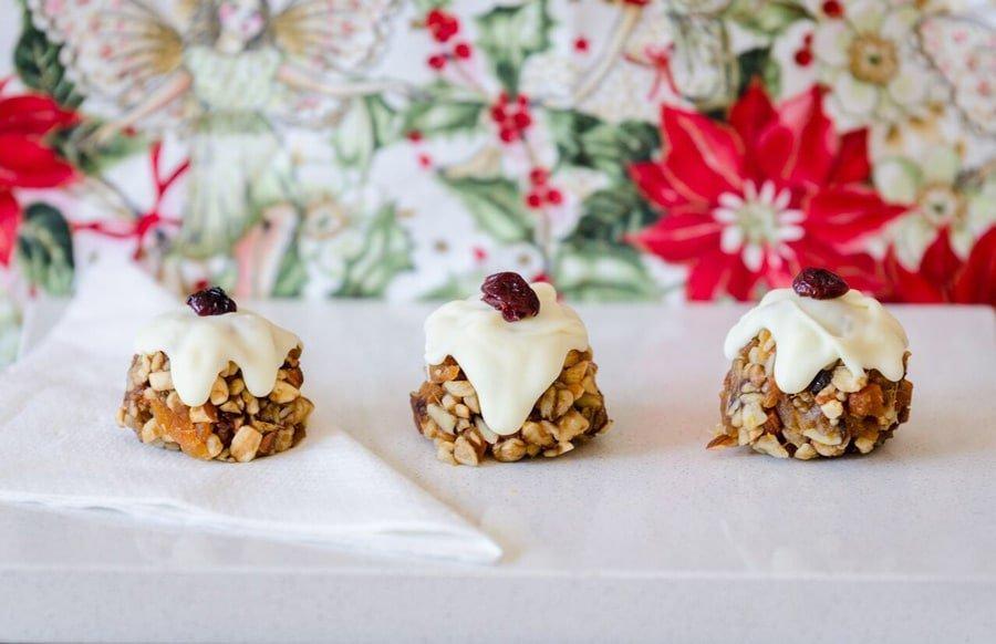 Raw Mini Christmas Puddings | Jessica Donovan-Energetic Mama