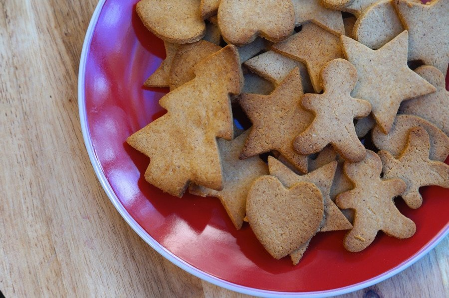 Paleo Gingerbread Cookies | Christmas | The Merrymaker Sisters