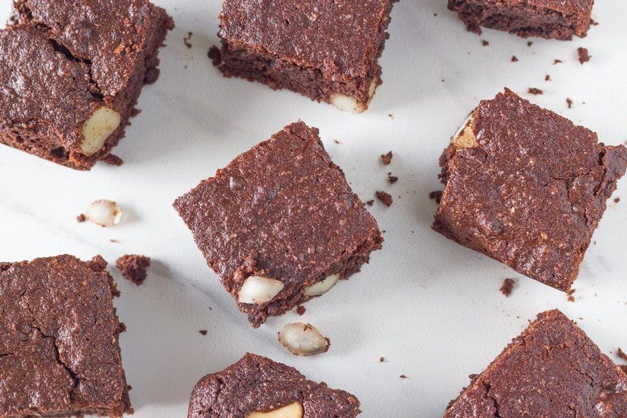 how the Chocolate Macadamia Fudge Brownies look when ready to eat
