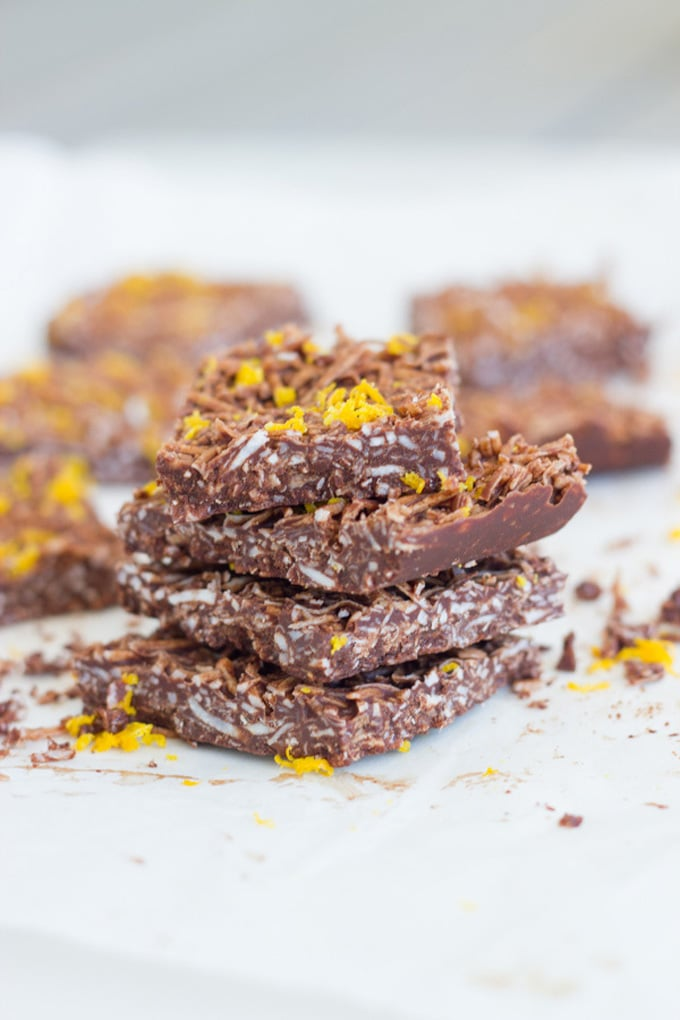 Jaffa coconut rough is made with 5 ingredients - coconut oil, cacao, shredded coconut, maple syrup and wild orange essential oil. DELICIOUS! | becomingness.com.au