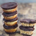 Peanut Butter Cups are amazeballs.They are super delicious, easy to make and are gluten, dairy and refined sugar free!