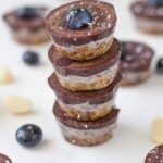 Chocolate and blueberry can now be added to my favourite raw dessert flavours combinations with these raw blueberry slice bites. They are just devine!!
