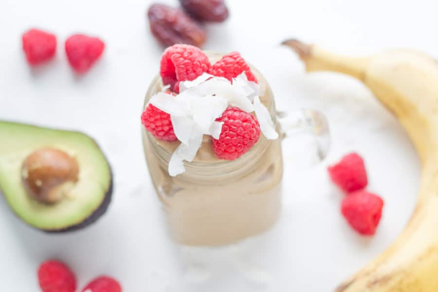 Dairy Free Chocolate Thickshake. Full of healthy ingredients and will make for a great snack or breakfast. No need to go buy one of those highly processed and refined sugar laden versions ever again!