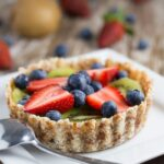 Raw Fruit Tart. This is a super easy recipe to make and it will make an awesome addition to your summer menu. SO DELICIOUS!