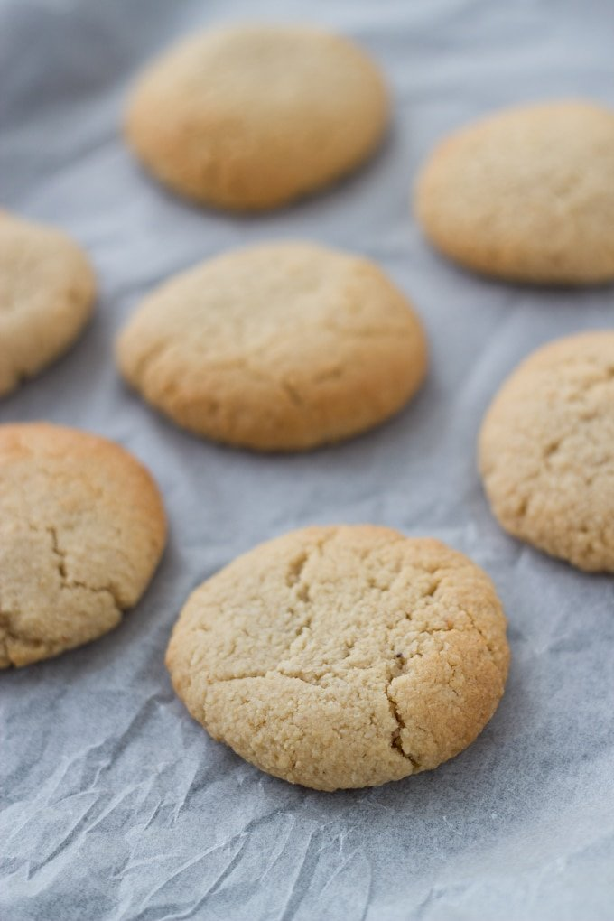 Ginger Cookies. These gluten free cookies are infused with ginger, cinnamon and clove essential oils. They are a hit with the kids! #glutenfree #dairyfree #paleo #vegan #healthyeating | becomingness.com.au