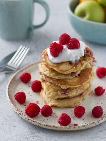 These very berry pancakes are amazing. They are so healthy and suitable for keto, lchf, paleo, gluten and dairy free lifestyle.