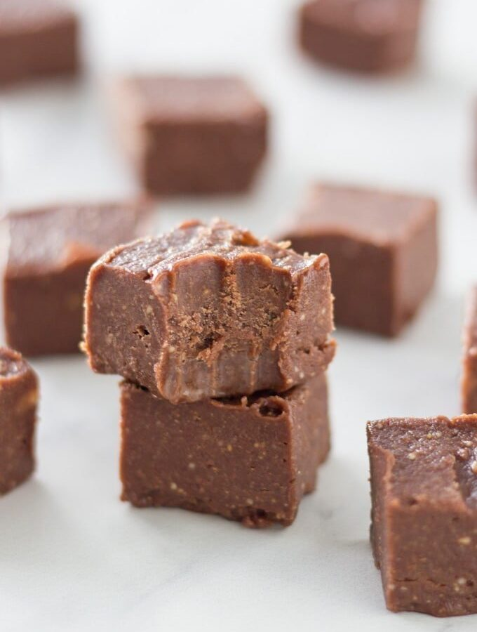 Easy Peppermint Chocolate Fudge
