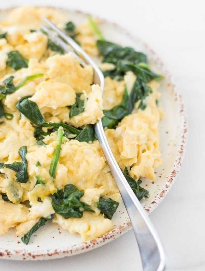 Super Easy Spinach Scrambled Eggs