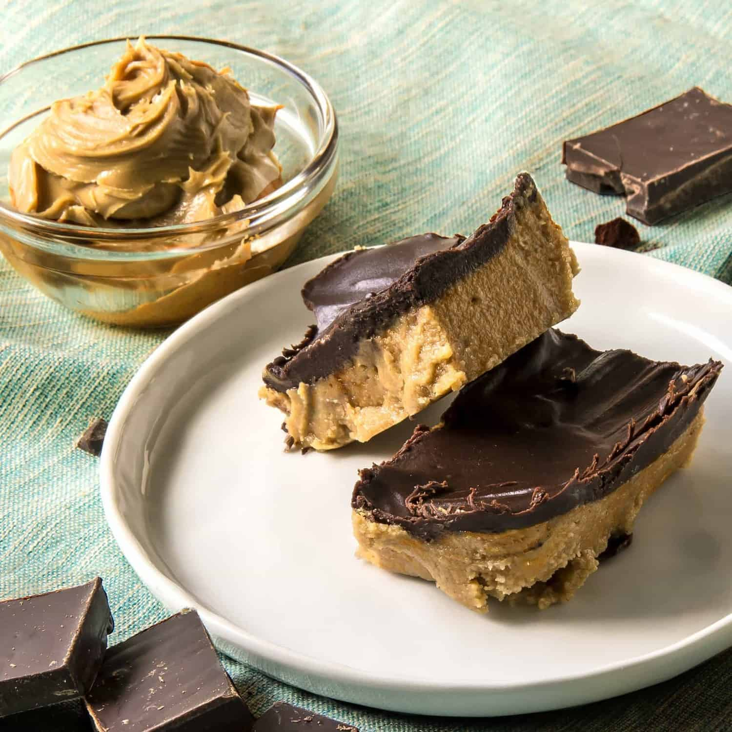 11 of the best low carb keto dessert recipes that are also super easy to make - No Bake Keto Peanut Butter Chocolate Bars