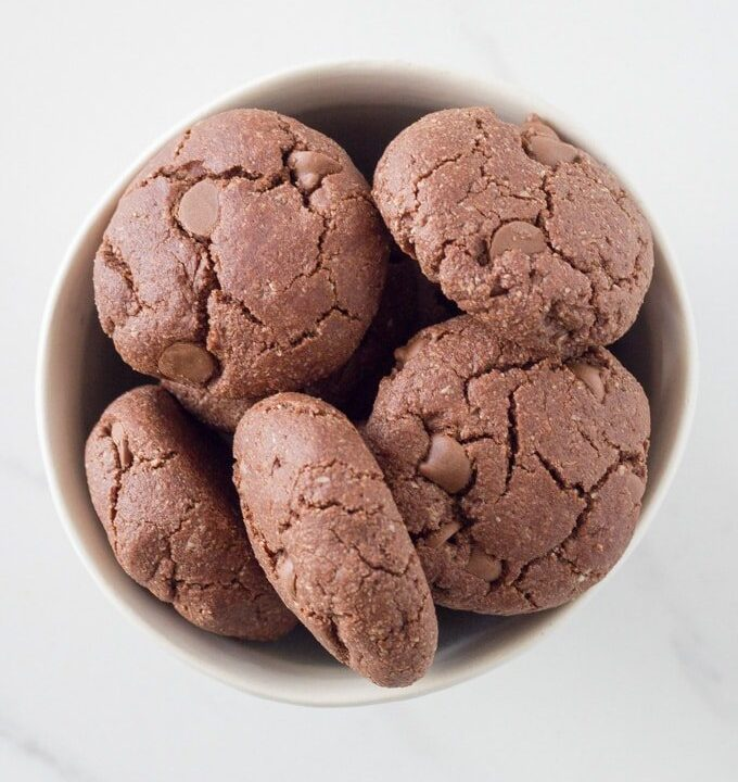 These gluten free double chocolate chip cookies are full of flavour and tasty as. Not only are they gluten free, but they are also paleo, dairy free and vegan.