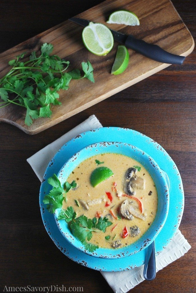 Crockpot Coconut curry chicken soup