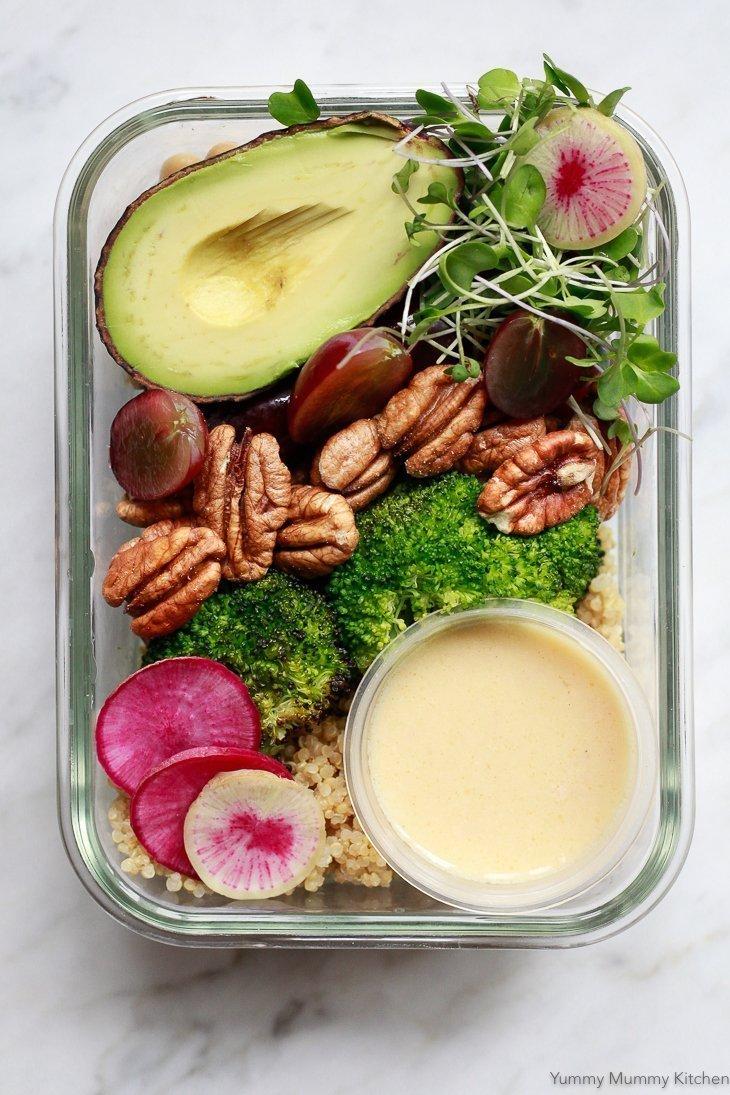 Vegan Meal Prep Bowls with Quinoa, Veggies & Lemon Vinaigrette