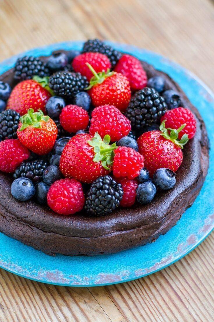 5-Ingredient Paleo Chocolate Cake