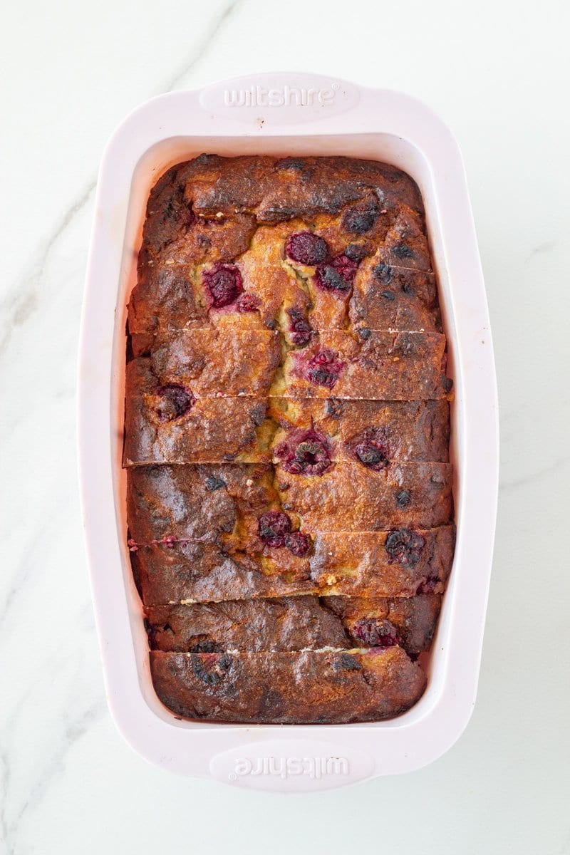 This low carb raspberry banana bread is gluten fee, dairy free and has no added sugar. It is packed full of flavour, super easy to make and will become your new fave!