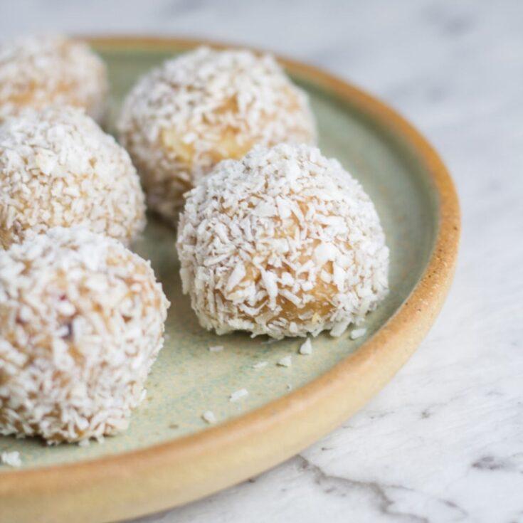 Raw Caramel Macadamia Bliss Balls
